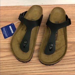 Birkenstock Gizeh Sandals: Black (PM580)